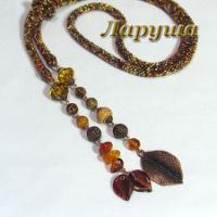 Длинный лариат, короткий жгутик, серьги, трёхрядный браслет.  Чешский бисер, бусины - чешское стекло, миллефиори.