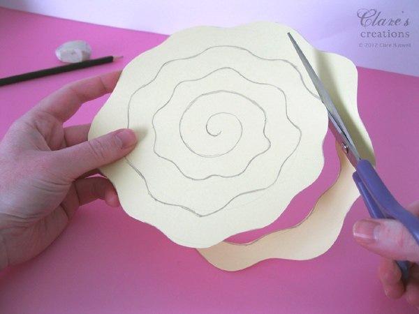 Как сделать розу из бумаги своими руками маме